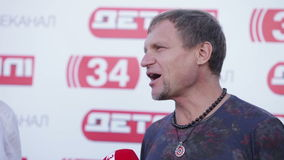 Entrevista Oleg Skripka almacen de metraje de vídeo