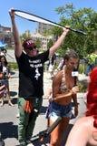 Entrevistas taling modelo de Hailey Clauson durante el 34to desfile anual de la sirena en Coney Island Imagenes de archivo