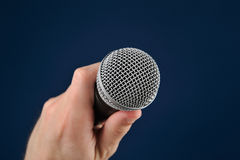 Entrevue avec le microphone Photo stock