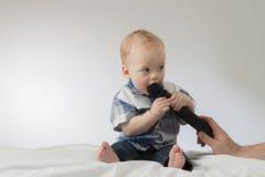 Entrevue avec le petit bébé garçon Photo stock