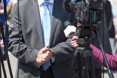 Entrevue de TV nouvelles Photographie stock libre de droits