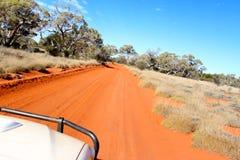 Entroterra australiana ad ovest fuori dalla pista della strada Fotografia Stock