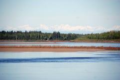Entroterra Russia della costa del fiume di Kolyma Fotografia Stock