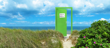 Entry to the beautiful beach Royalty Free Stock Photos
