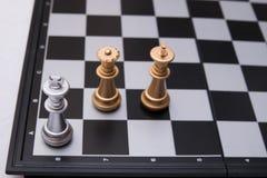 Entscheidendes Schachspiel Stockfoto