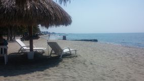 entspannen Sie sich auf dem blauen Meer stockfotos