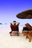 Entspannen Sie sich auf Küste Lizenzfreies Stockfoto