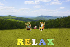 Entspannen Sie sich in den Bergen lizenzfreie stockbilder