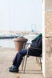 Entspannen Sie sich am Hafen Stockbilder