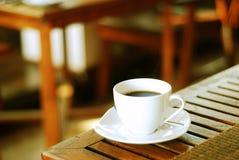 Entspannen Sie sich mit etwas Kaffee Stockbild