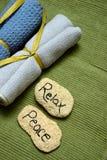 Entspannen Sie sich und Frieden an einem Badekurort Stockbilder