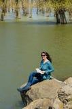 Entspannende Frau Stockfotos