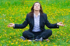 Entspannende Geschäftsfrau Lizenzfreie Stockfotos