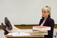 Entspannender Frauen-Lehrer Lizenzfreie Stockbilder