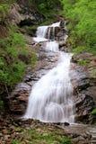 Entspannender Wasserfall Lizenzfreie Stockbilder