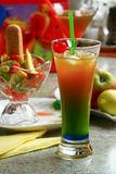 Entspannendes Getränk des Sommers stockfotos