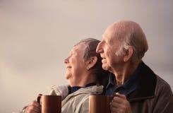 Entspannte ältere Paare Stockfoto