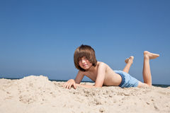 Entspannung auf dem Strand Lizenzfreies Stockfoto