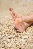 Entspannung auf Strand lizenzfreie stockfotos