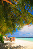 Entspannung auf tropischem Paradies stockfotos