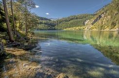 Entspannung an den Tyrol Seen Stockfoto