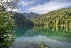 Entspannung an den Tyrol Seen Lizenzfreies Stockfoto