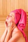 Entspannung in der Sauna Lizenzfreies Stockfoto