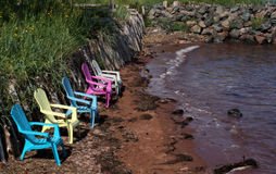 Entspannung durch das Ufer Lizenzfreies Stockbild
