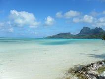 Entspannung durch den Ozean Lizenzfreie Stockbilder