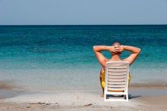 Entspannung im Meer stockbilder