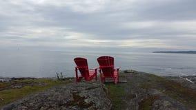 Entspannung im Rot lizenzfreie stockfotografie