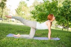 Entspannung mit Yoga Stockbild