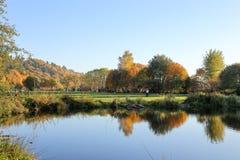 Entspannungsnachmittag an den goldenen Gärten parken, Seattle Washington stockfotos