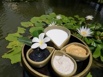 Entspannungstime†‹with†‹Badekurort massage†‹treatment†‹ stockbild