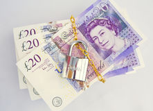 Entsperren Sie Ihr Bargeld: an einem Automatteverkauf? Stockfotos