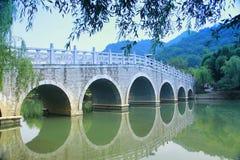 Entsteinen Sie Brücke Stockfoto