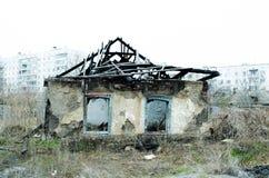 Entulho da casa destruída após o fogo Fotografia de Stock Royalty Free