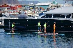 4 entusiasti della barca nel bacino di Cape Town Fotografia Stock