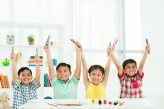 Entusiastiska klasskompisar Arkivbild
