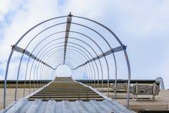 Entweichenleiter auf der Wand Treppenhaus zum Hafen Lizenzfreies Stockbild