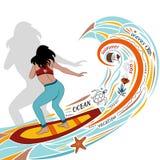 Entwerfen Sie für eine Fahne oder einen Flieger mit einer Seewelle, Blumen, einem Mädchen auf einem Surfbrett, einem Seestern, ei Stockfoto