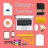 Entwerfen Sie Vektorillustration des modernen kreativen Büroarbeitsplatzes, Arbeitsplatz eines Designers Lizenzfreie Stockbilder