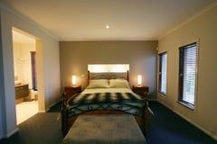 Entwerfer-Schlafzimmer lizenzfreies stockfoto