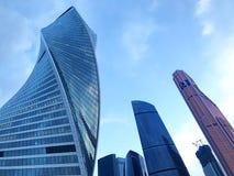 Entwicklungs-Turm, Vereinigungs-Türme und Mercury City Tower - internationales Geschäftszentrum Moskaus - Russland stockfotos