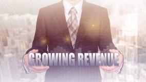 Entwicklungs- und Wachstumskonzept Geschäftsmannplanwachstum und Zunahme von positiven Indikatoren seines Geschäfts und Finanzier Lizenzfreie Stockfotografie