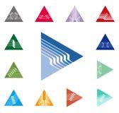 Entwurfsdreieck, Pfeilvektor-Logoschablone. Geschwindigkeit Stockfotos