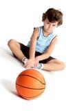 Entzückender Junge traurig, ohne zu spielen lizenzfreie stockfotos