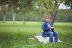 Entzückendes Kind Stockfoto
