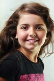 Entzückendes Kind mit dem langen Haar lizenzfreies stockfoto
