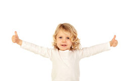 Entzückendes kleines blondes Kind, das o.k. sagt Stockfotografie